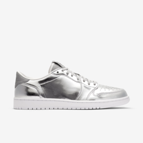 "Air Jordan 1 Low Pinnacle ""No Swoosh"" 852549-003"