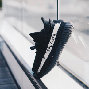 "Adidas Yeezy 350 V2 Boost ""Black White""  BY1604"