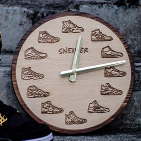 赤蚁球鞋时钟