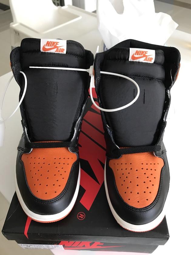 黑扣碎AJ1 | 当客|运动装备鉴定|球鞋鉴定|耐克鉴定