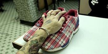"ab5510a16 CLOT x adidas Consortium ZX Flux ""RWB"" 联名鞋款宣传影片"