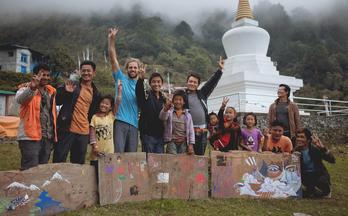 Quest Episode One Tito In Nepal (尼泊尔探秘骑行短片)