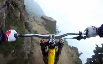 世界上最疯狂的山地自行车速降下坡